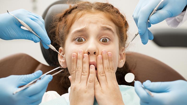 Kako stomatološki tim može pomoći u smanjenju anksioznosti pacijenta?